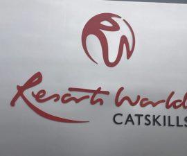 resorts world catskills sign